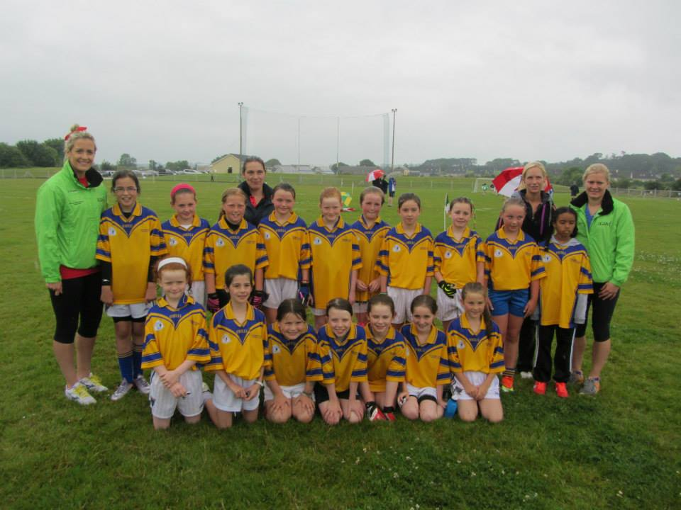 Kilshannig LGFC U10s meet members of the Cork Ladies Senior team